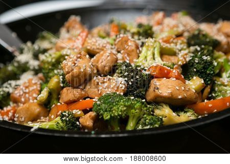 Delicious Asian Sesame Chicken and Vegetable Stir Fry