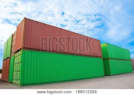 container for shipping and delivery import export box.