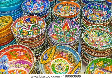 The Colorful Bowls