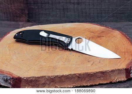 Spyder. Known Knife. A Popular Knife.