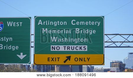 Street signs to Arlington Cemetery - WASHINGTON - DISTRICT OF COLUMBIA