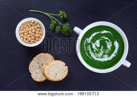 Creamy Bright-green Spinach Soup In Bowl