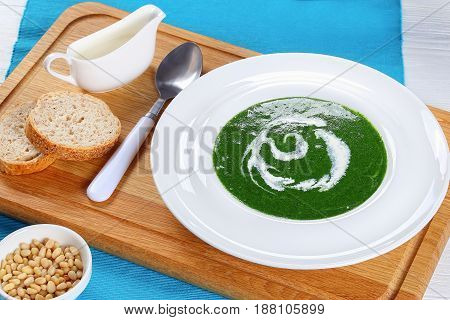 Summer Healthy Soups Of Fresh Spinach