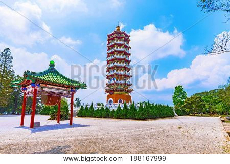 Ci'en Pagoda architecture and courtyard with nature