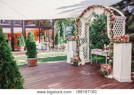 Wedding arch with flowers Wedding decoration hand made.