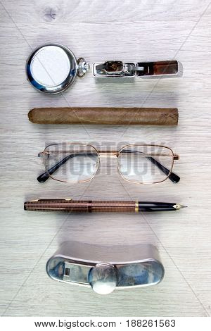 Vintage Business Look, Old Style Equipment