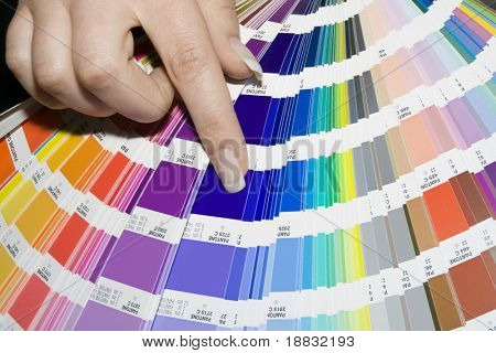 Choosing color from color scale