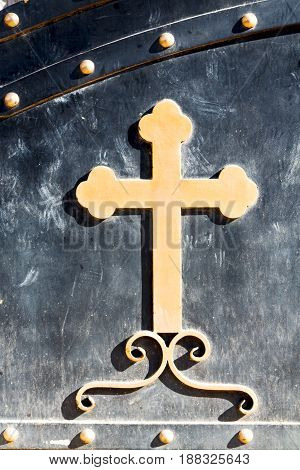 In The Doorway A Cross Like Background