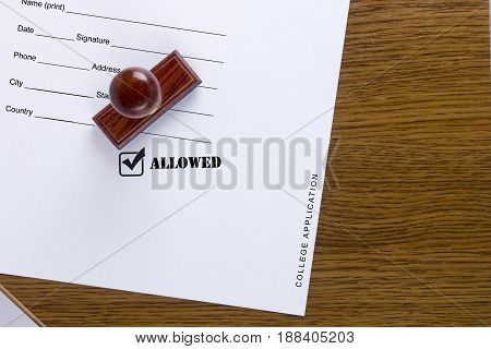 Stamp print is allowed on the application form for college