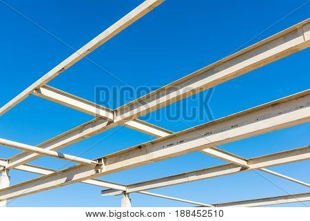 Steel structure and connecting joint for roofing. Steel frame.