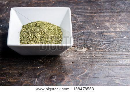 Dry Organic Green Parsley Flakes Ready For Seasoning Food