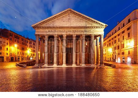 The Pantheon, former Roman temple, now a church, on the Piazza della Rotonda, at night, Rome, Italy