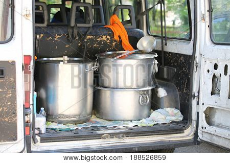 Three Large Pans For Transporting Food Into The Van Trunk Of Non