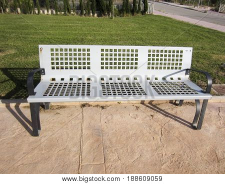 Metal Park bench in black and silver