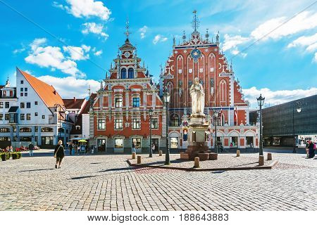 House Of Blackheads And People On Square In Riga