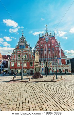 House Of Blackheads And People On Square Of Riga