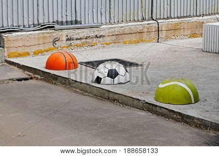 Protective hemispheres in the form of basketball football and tennis balls