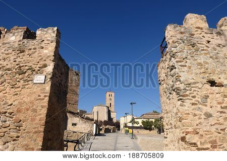 Walls and Santa Maria del Castillo; church; Buitrago de Lozoya; Comunidad; Madrid; Spain;