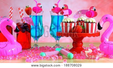 Summer Party Table With Pink Flamingo Theme