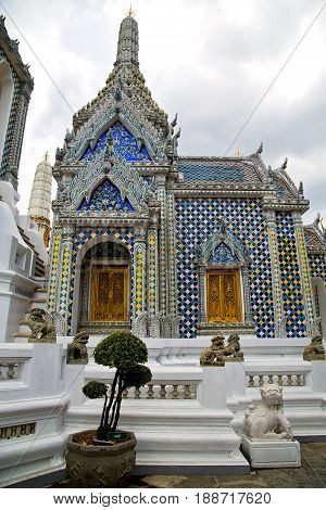 Thailand Asia   Bangkok Rain  Temple Abstract Potter