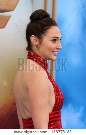 LOS ANGELES - MAY 25:  Gal Gadot at the
