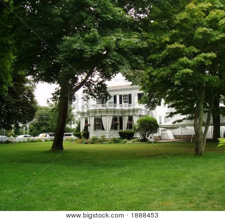 Historic Martha'S Vineyard Mansion