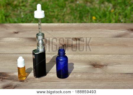 E - cigarette for vaping , technical devices