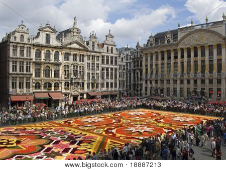 Flower Carpet in Brussels view from the City Council N2