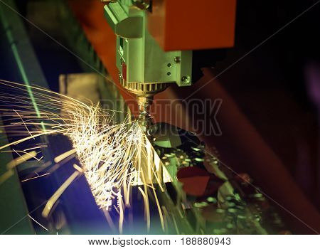 Automated laser cutting cnc machine with sparks