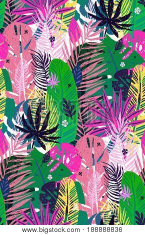 Seamless exotic pattern with mottled tropical palm leaves, summer background. Vector illustration, design elements.