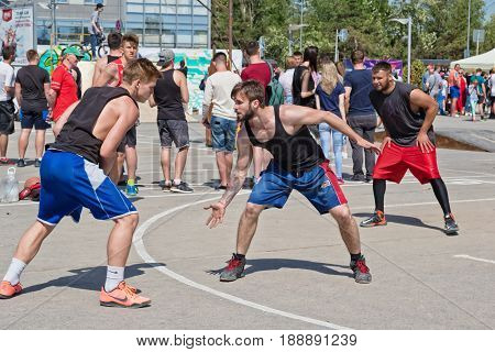 Streetball - Defense Meets Offense