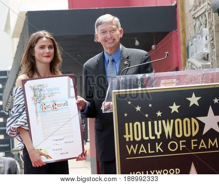 LOS ANGELES - MAY 30:  Keri Russell Leron Gubler at the Keri Russell Honored With a Star Ceremony on the Hollywood Walk of Fame on May 30, 2017 in Los Angeles, CA