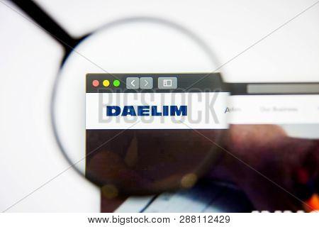 Los Angeles, California, Usa - 5 March 2019: Daelim Industrial Website Homepage. Daelim Industrial L