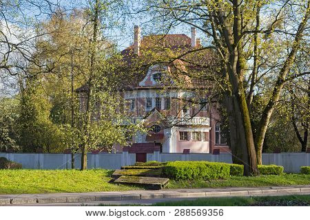 Old Typical Historical Building In Center Of Kaliningrad. Before 1945 Is Was German Town Known As Ko