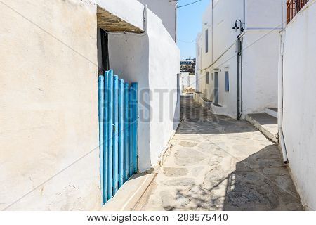 Sifnos, Greece - September 11, 2018: Street In Apollonia, The Capital Of Sifnos. Cyclades, Greece