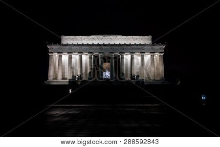 Lincoln Memorial At Night In Washington, Dc