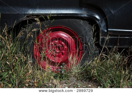 Red Center Wheel
