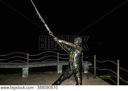 Krabi/thailand-22 July 2017:fisher Man Catch Swordfish Statue Beside Aonang Beach Krabi City.krabi -
