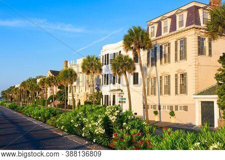 Charleston, South Carolina, USA homes along The Battery in the morning.