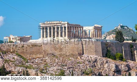 Parthenon On Acropolis, Athens, Greece. This Place Is Famous Tourist Attraction Of Athens. Great Rui