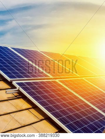 Solar Panel(solar Cell), Solar Energy Panel Photovoltaic Cell, Hot Climate Causes Increased Power Pr