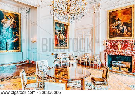 Versailles, France - July 02, 2016 : Living Room ( Salon)  Of The Chapel In Grand Trianon. Chateau D