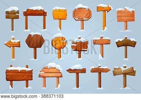 Set Of Wooden Pillars Signboards In Snow Isolated. Vector Information Boards, Blank Guideposts, Arro