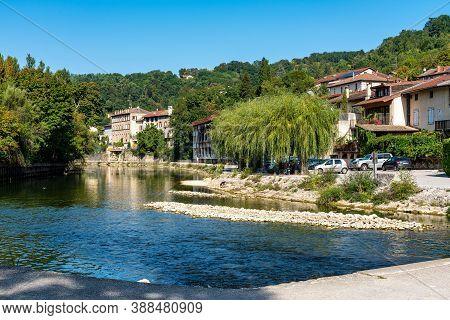 Pont En Royans, France - Sep 19, 2020: Pont En Royans, A Charming Picturesque Medieval Village In Th