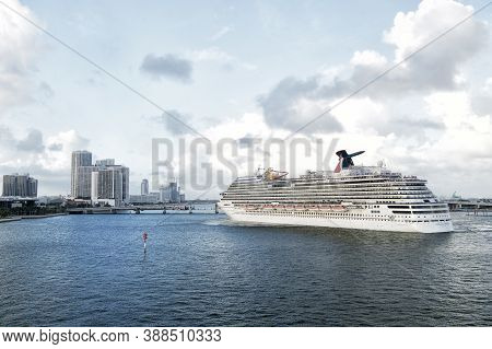 Miami, Fl, Usa - December 27, 2015 Carnival Breeze Cruise Cruise Ship Sailing From The Port Of Miami