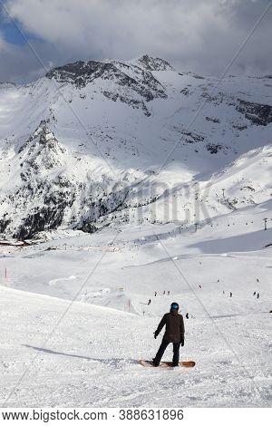 Hintertux, Austria - March 10, 2019: Ski Piste At Hintertux Glacier Ski Resort In Tyrol Region, Aust
