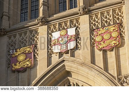Bristol, Uk - March 15, 2017: Stonework Above The Door Of The Wills Memorial Building At The Univers