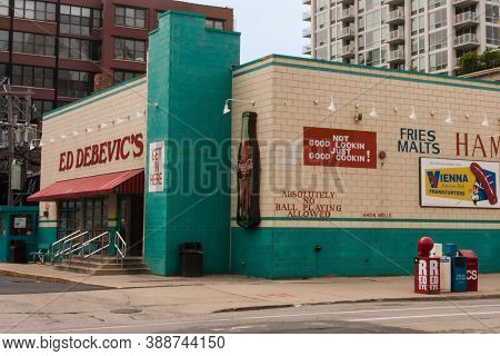 Chicago, Illinois, Usa June 10 2011: Ed Debevic's Famous Historic Diner Restaurant At Its Former Loc