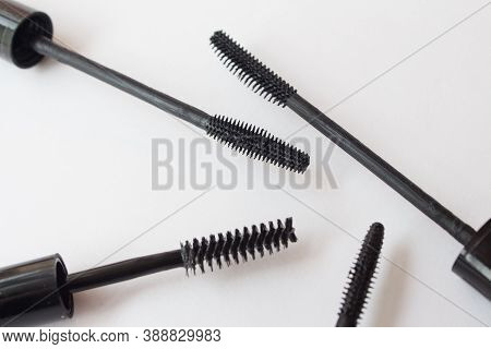Set Of Mascara Brushes. Silicone, With Nap, Narrow And Wide Cosmetic Mascaras. Top View, Flat Lay