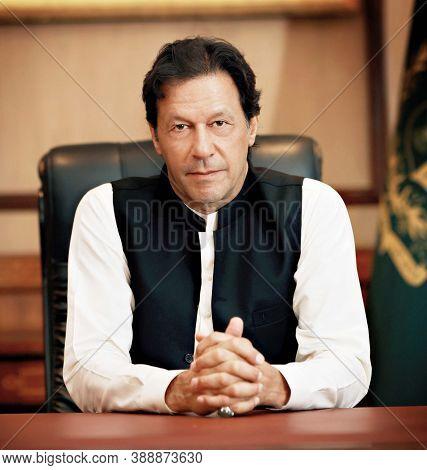 Karachi, Pakistan, September 2020, Pakistan Prime Minister Imran Khan In His Cabin